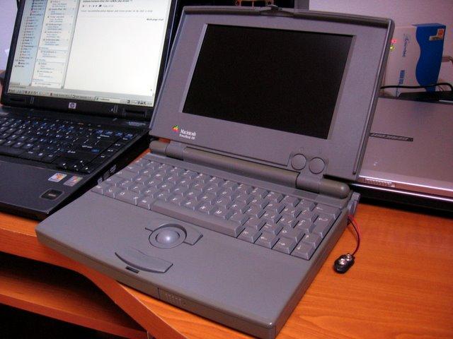 Macintosh Powerbook 100