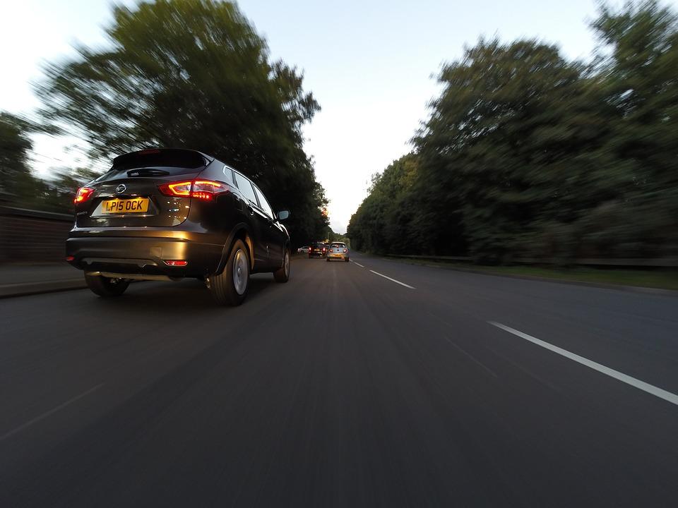 Zašto se na Autobahnu morate držati desne strane?