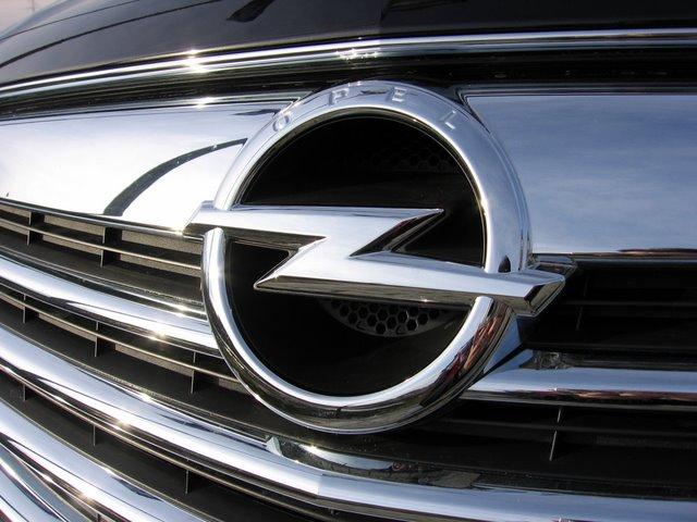 Novi korporativni identitet Opela