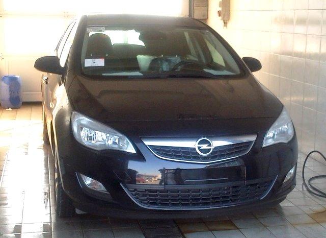 Exkluzivno: prva Opel Astra stigla u Srbiju