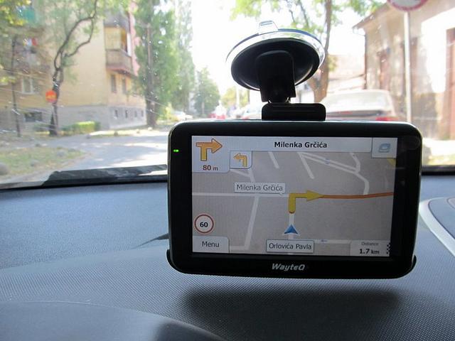 GPS navigator WayteQ x960BT