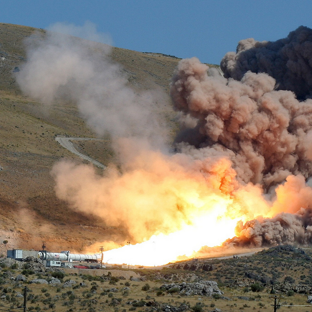 Test raketnog motora nekog budućeg spejs šatla