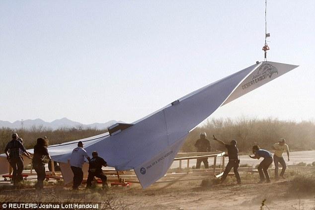 Najveći paprini avion na svetu