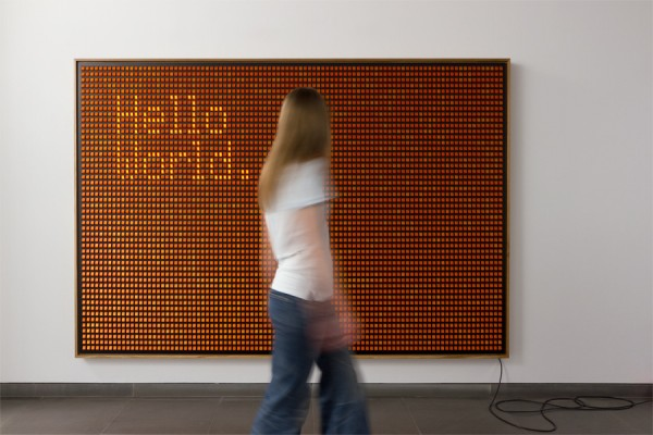 """Hello World"" od 5.000 prekidača"