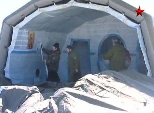 Ruski padobranci sa sobom nose crkvu na naduvavanje