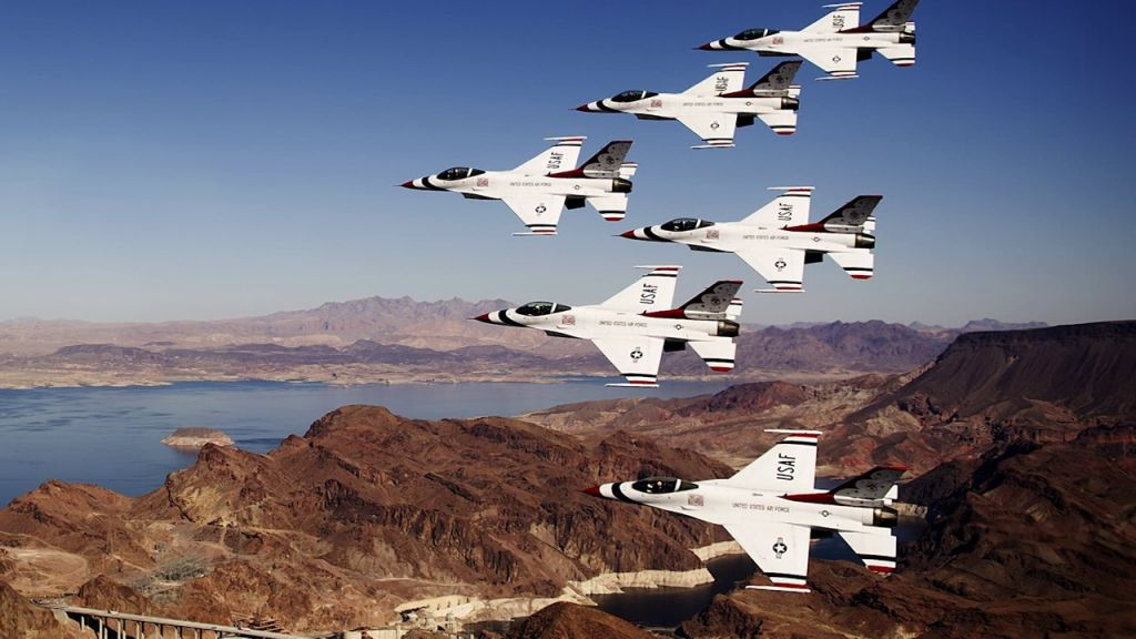 Iza scene: Kako se fotkaju borbeni avioni